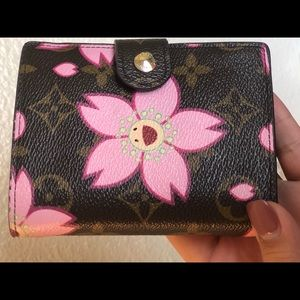 🌸 Louis Vuitton monogram cherry blossom wallet 🌸